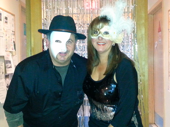 10-2013-caswell-cove-masquerade-party-005